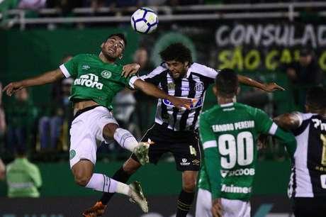 Em jogo bem disputado na Arena Condá, Chapecoense e Santos não saíram do zero; resultado não foi bom para ambos os times