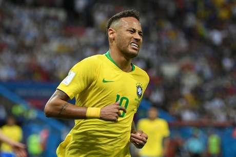 O atacante Neymar em campo no jogo do Brasil contra a Bélgica, pelas quartas de final da Copa do Mundo