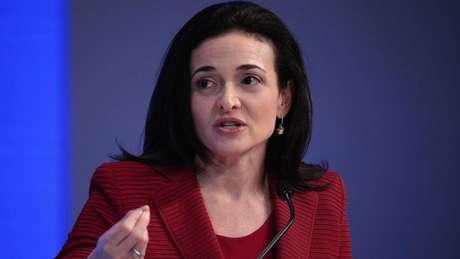 Adepta do estilo multitarefas, a COO do Facebook Sheryl Sandberg recomenda um processo de dar prioridade para suas melhores ideias