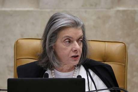 Cármen Lúcia é presidente da República em exercício