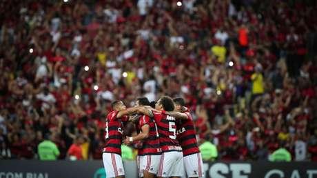 91a278349f Flamengo tem atuado como mandante no Maracanã com grande presença da torcida