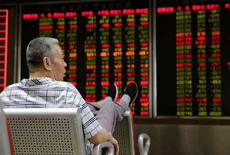 Investido em corretora em Pequim 6/7/ 2018 REUTERS/Jason Lee