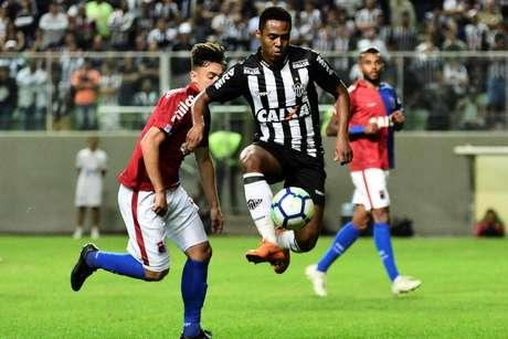 Elias marcou o segundo gol do Atlético-MG