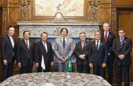 Presidente do Senado, Eunício Oliveira (centro) em missão oficial ao Japão em abril