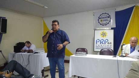 O coronel aposentado da Polícia Militar de Pernambuco Luiz Meiratem como mentor o presidenciável Jair Bolsonaro.