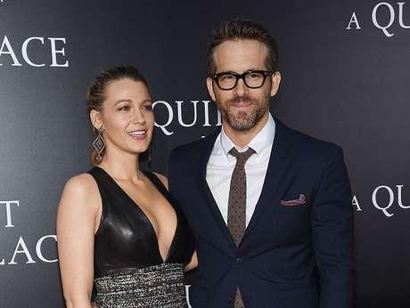 Blake Lively e Ryan Reynolds acompanham orgulhosos participação da filha em show de Taylor Swift