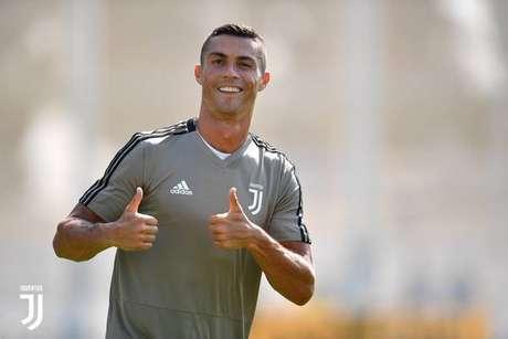 Cristiano Ronaldo em seu primeiro dia de trabalho de campo na Juve