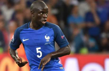 Kanté teve boa participação na Copa do Mundo (Foto: AFP)