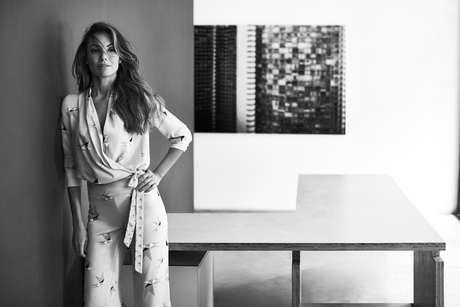 A jornalista Patrícia Poeta estrela a campanha de lançamento da Enna, nova marca do grupo La Moda
