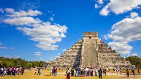 Templos maia como este, em Chichen Itza, no México, atraem turistas de todo o mundo
