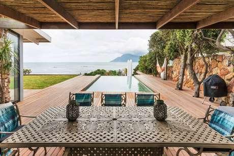 Casa com vista do mar na Cidade do Cabo, na África do Sul: nade até a borda da piscina e admire o incrível panorama do oceano na África do Sul. Para 8 hóspedes, a partir de 260 euros a diária