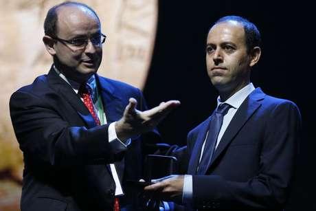 Matemático iraniano Caucher Birkar (à dir.) receberá uma nova medalha Fields, o Prêmio Nobel da Matemática