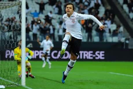 Romero comemora mais um gol na Arena Corinthians