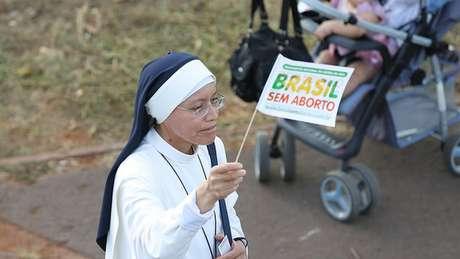 Grupos religiosos e juristas contrários à descriminalização devem defender que que a vida começa na concepção e dizer que cabe ao Congresso debater o tema