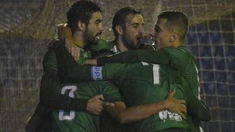 Longuine se destaca em vitória do Guarani