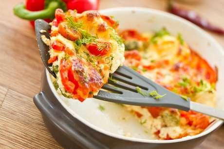 Omelete de forno com presunto e legumes