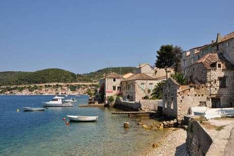 Ilha de Vis, na Croácia, virou Kalokairi emMamma Mia: Lá vamos nós de novo!