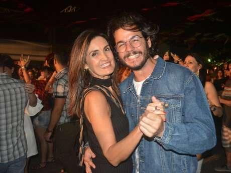 Fátima Bernardes levou Túlio Gadêlha para curtir festa de casamento em Petrópolis, interior do Rio de Janeiro, neste sábado, 4 de agosto de 2018