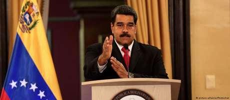"""""""O nome de Juan Manuel Santos está por trás deste atentado"""", disse Maduro."""