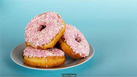 Você pode querer os donuts, mas provavelmente não precisa deles - um exemplo de como pode ser difícil de resistir ao pensamento emocional
