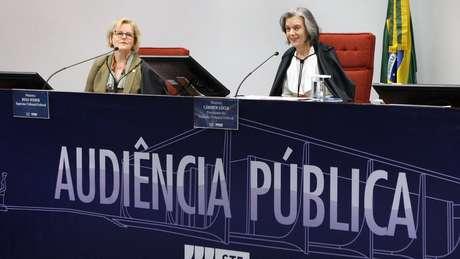 Cármen Lúcia pediu respeito à divergência em audiência pública sobre aborto
