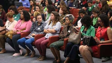 Público assiste a audiências sobre ação que pede a descriminalização do aborto, no STF