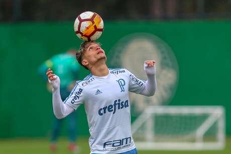 Artur, que estava machucado na época da primeira inscrição, poderá defender o Palmeiras na Libertadores