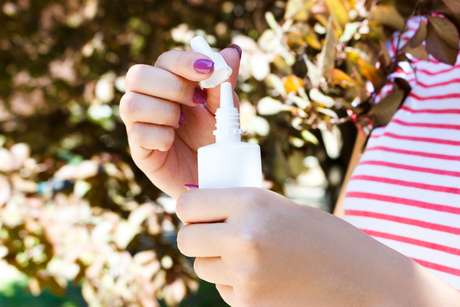 Anvisa suspende lotes de descongestionante nasal