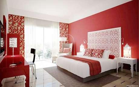 7. A cortina vermelha para quarto também pode possuir estampas ou mesmo uma tonalidade mais escura e menos viva – Foto: Home Design