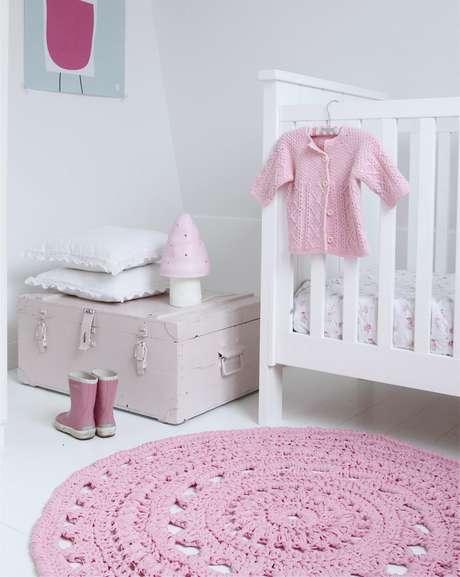 9. Em quartos infantis, os tapetes de crochê ficam ainda mais fofos