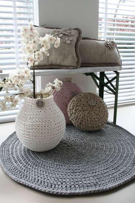 6. As cores neutras como o cinza e o branco deixam mais elegante