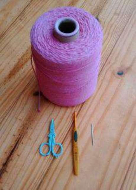 Materiais necessários para o Passo a passo para tapetes de crochê