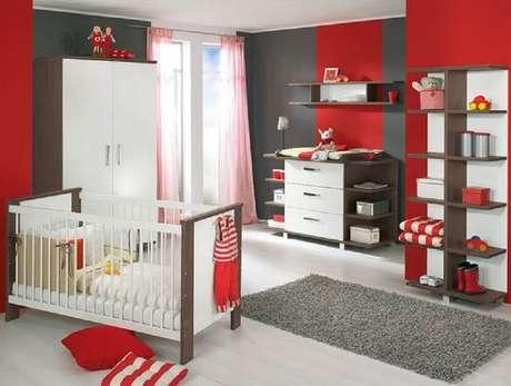 53. Decoração para quarto vermelho e cinza de bebê – Foto: Pinterest