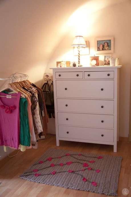 17. Para os quartos de menina, os tapetes de crochê ficam lindos