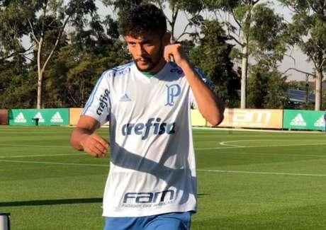 TST mantém bloqueio de R$ 200 milhões do jogador do Palmeiras Gustavo Scarpa; pedido foi feito pela defesa do Fluminense (Foto: Thiago Ferri)