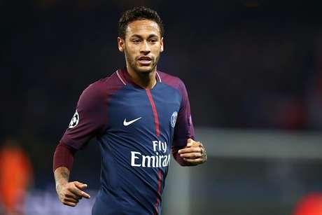 Neymar foi contratado pelo PSG por 222 milhões de euros (R$ 824 milhões)