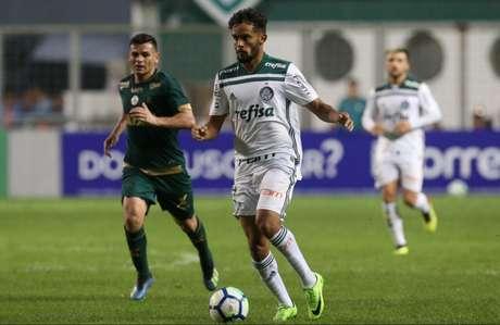 Gustavo Scarpa durante o empate de domingo, contra o América-MG (Foto: Divulgação/Palmeiras)