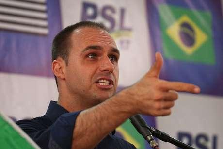 Eduardo Bolsonaro acredita que o pai deve manter postura na campanha