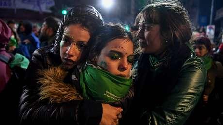 Na Argentina, aborto é crime, assim como no Brasil. A América Latina está entre as regiões com legislações mais duras em relação ao aborto, juntamente com a África e o Oriente Médio