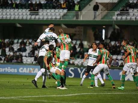 Coritiba e Sampaio Corrêa ficaram no empate sem gols no Couto Pereira