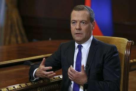 Primeiro-ministro russo, Dmitry Medvedev, durante entrevista em residência oficial no arredores de Moscou 07/08/2018 Sputnik/Ekaterina Shtukina/Pool via Reuters
