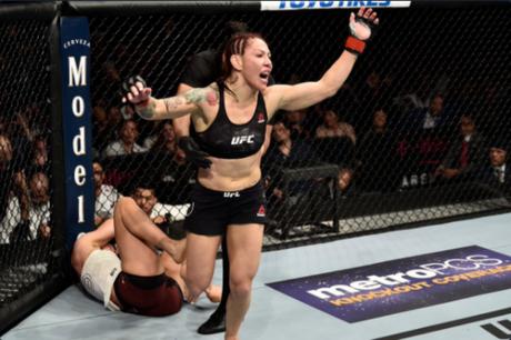 Cris Cyborg não deseja lutar com Amanda Nunes em dezembro e ainda projetou a carreira (Foto: Getty Images/UFC)