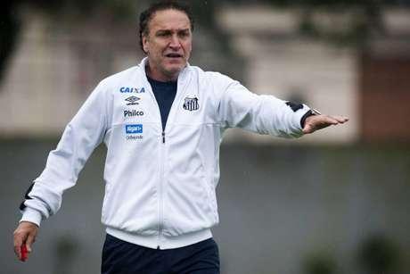 Cuca valoriza Lucas Veríssimo e revela ofertas por Gabigol (Foto: Ivan Storti/Santos)