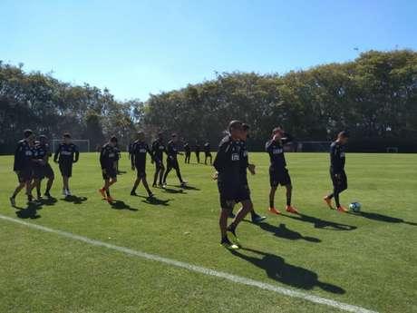 Elenco do Tricolor treinou no CT da Barra Funda na manhã desta sexta-feira (Foto: Yago Rudá)
