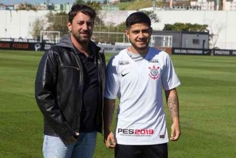 Díaz foi apresentado pelo Corinthians