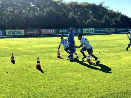 Gustavo Gómez durante o treino do Palmeiras, nesta sexta-feira (Foto: Thiago Ferri)