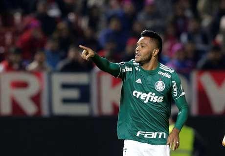 Borja marcou os dois gols da vitória do Palmeiras