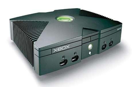 Xbox original completa 17  anos