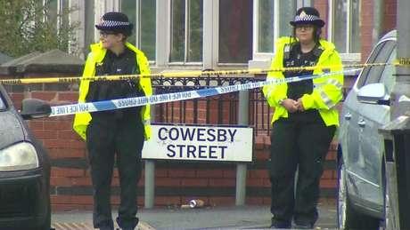A polícia de Manchester diz que vai aumentar o policiamento na região nos próximos dias
