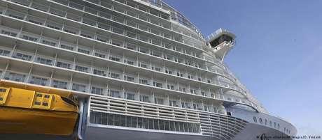 Cruzeiro Symphony of the Seas: 362 metros de comprimento, 3 mil cabines, 40 restaurantes, 23 piscinas,